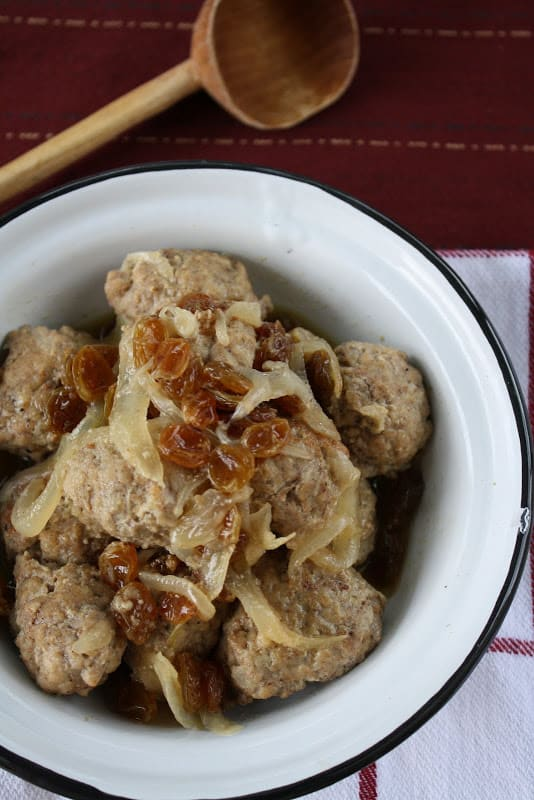 Meatball Tagine with Onions and Raisins